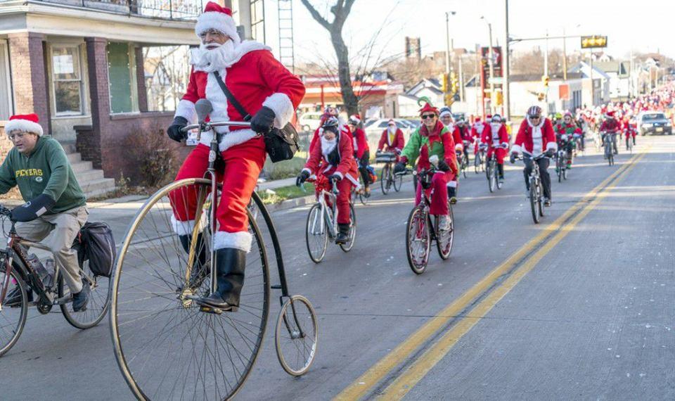 The Santa Cruise! 7pm Dec 8th
